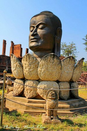 Wat Thammikarat : Buddha head