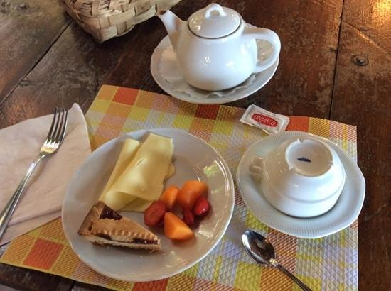 Agriturismo Fattoria Terranova : breakfast MY way, pastries were delightful and handmade, and of course the fruits and cheeses we