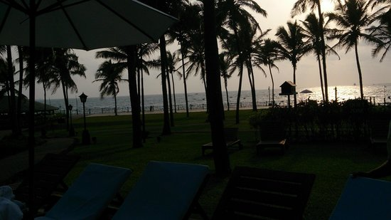 Taj Holiday Village Resort & Spa: beatiful beach view frm our room