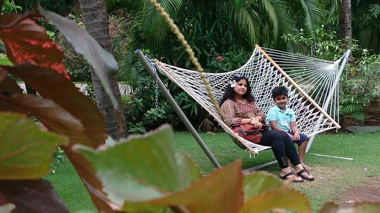 Taj Holiday Village Resort & Spa: personal sitout outside cottage