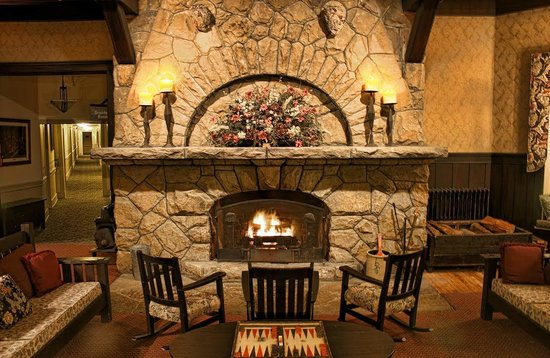 Historic Summit Inn : Main Lobby/Fireplace