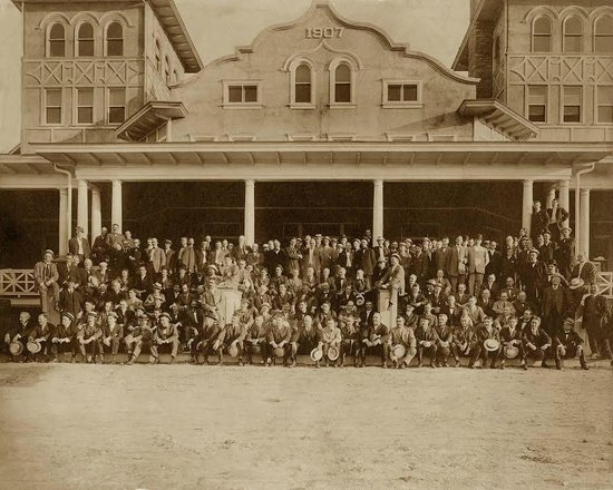 Historic Summit Inn : Opening Day in 1907