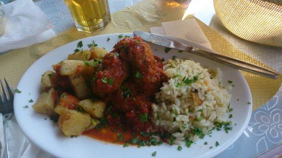 Kokkinidis Restaurant: Meat balls