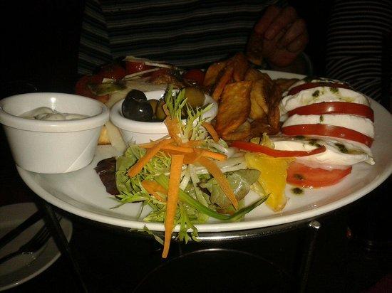 Davanti Italian Restaurant Whitley Bay: Italian mixed platter from the '2 dine for £20' menu.