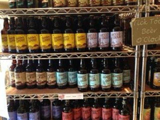 Drewton's Farm Shop: Local beers