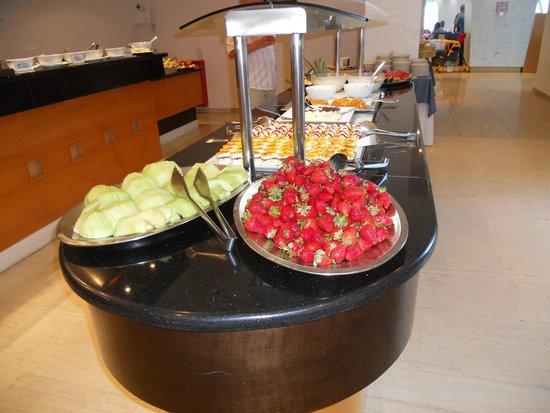 Hotel Calypso : buffet dessert