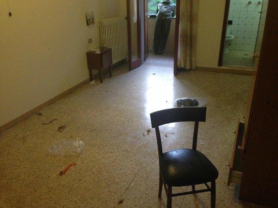 Hotel Ristorante Miramonti: manca nulla?? I letti!