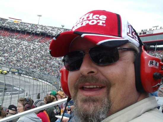 Bristol Motor Speedway : My Hubby Loving it
