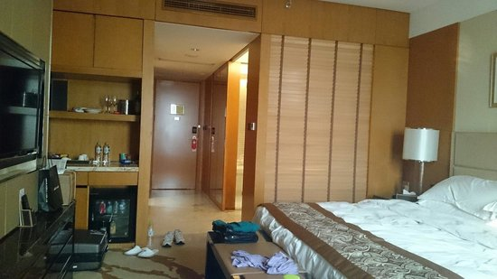 Happiness Hotel Changzhou: 広い部屋