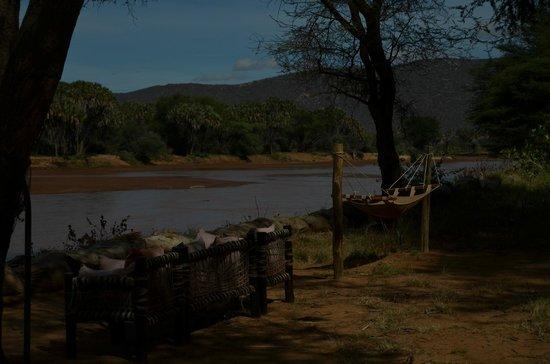 Elephant Bedroom Camp: Zonas comunes con vistas al rio