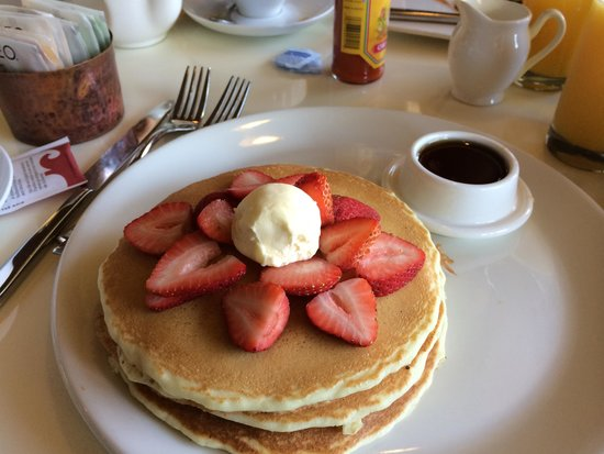 Fess Parker Wine Country Inn : The biggest but lightest pancakes