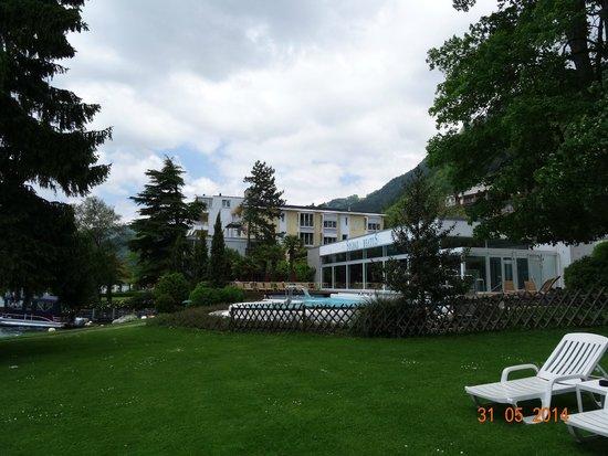 Wellness & Spa Hotel Beatus: VIEW IN GARDEN OF HOTEL BEATUS MERLIGEN. MAY 2014.