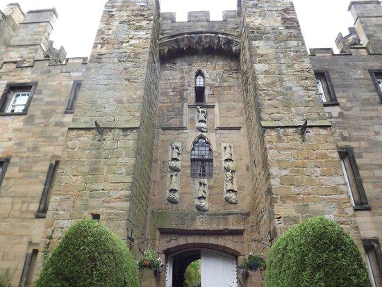 Lumley Castle Hotel: Imposing facade of Lumley Castle
