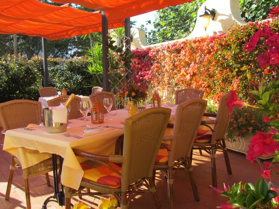 L'Orange Restaurant : Patio at Restaurant l'Orange