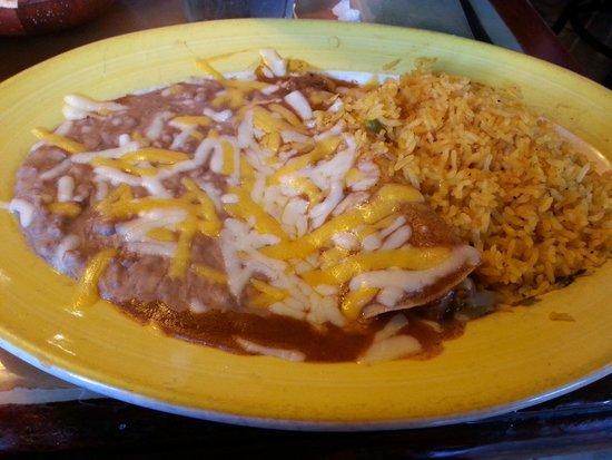 El Leoncito Mexican and Cuban Restaurant: Enchilada