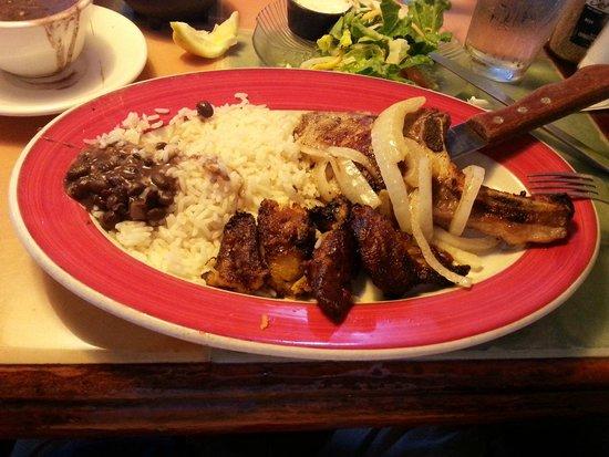 El Leoncito Mexican and Cuban Restaurant: Plat copieux