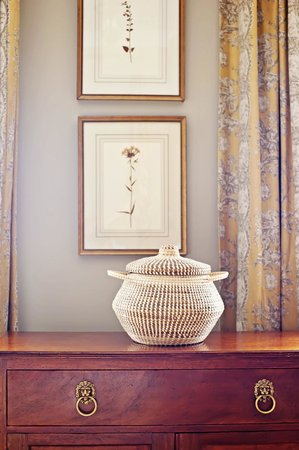 Planters Inn: Gullah sweetgrass baskets bring Lowcountry style to Planter Inn's decor.