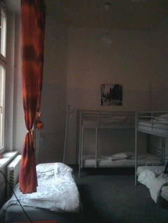 Avantgarde Hostel: pokoj2
