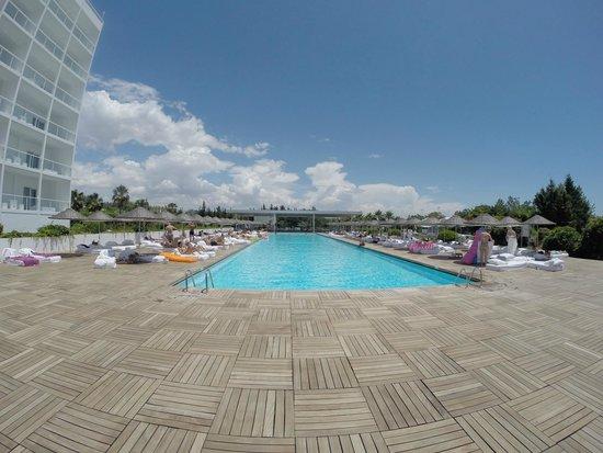 Hotel Su: Pool