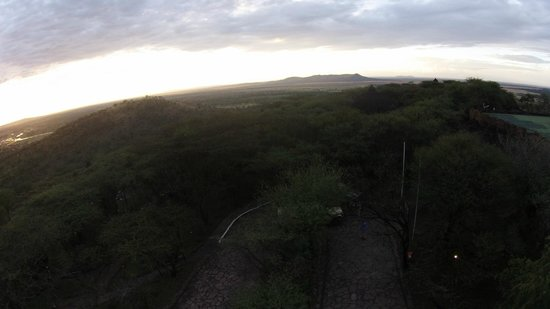 Serengeti Serena Safari Lodge: Image taken from a flying drone