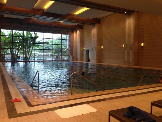Shangri-La Hotel Guilin: Indoor pool