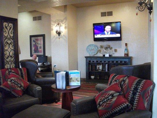 Best Western Plus Inn of Santa Fe: lobby