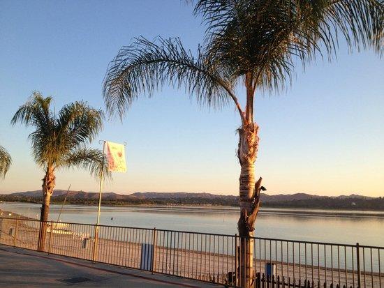 Crane Lakeside RV Resort: Lake side view