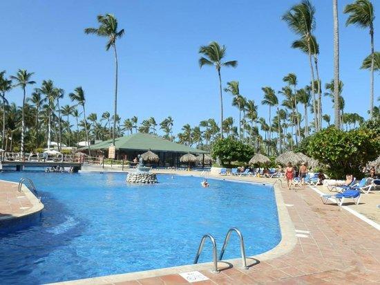 Sirenis Punta Cana Resort Casino & Aquagames: Piscina