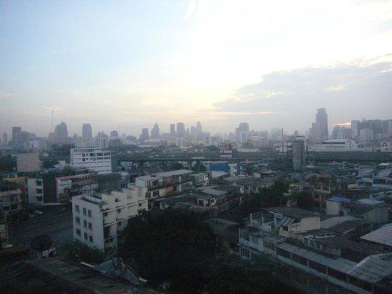 Bangkok Centre Hotel : 部屋からの眺め
