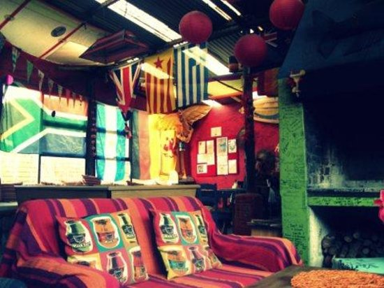Cape Agulhas Backpackers: Colourful spaces