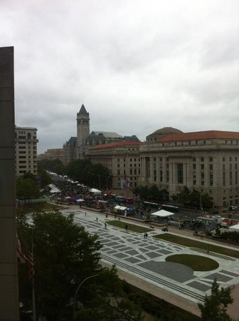 JW Marriott Washington, DC: Taste of DC 2014 Street Festival Seen from Room