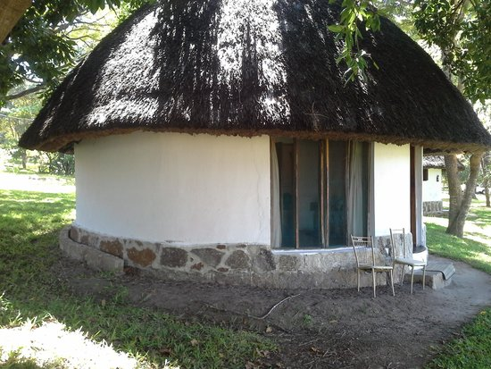 Casa Msika Lodge: large enough to sleep 3 comfortably