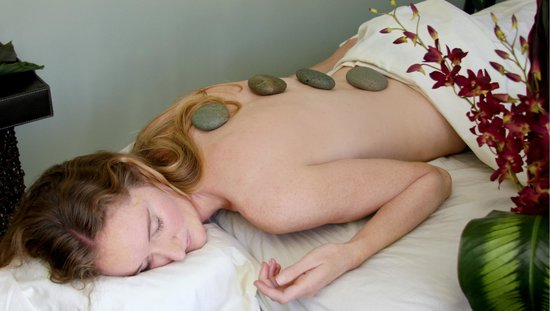 Catalina Sea Spa: Enjoy a Hot Stone massage