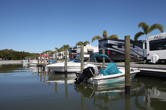 San Carlos R.V. Park & Islands: Dock your boat right behind your campsite