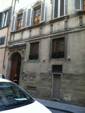 Piccolo Residence Apart-Hotel: Outside entrance