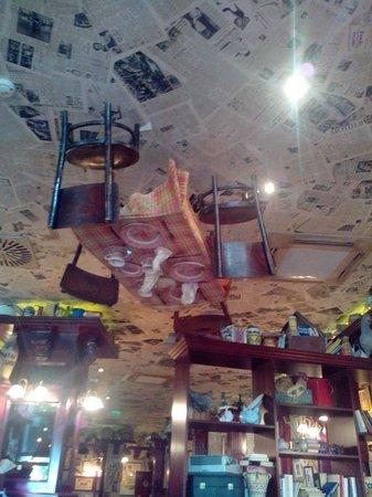 Cafe Jubilee Budapest: Verrückte Inneneinrichtung