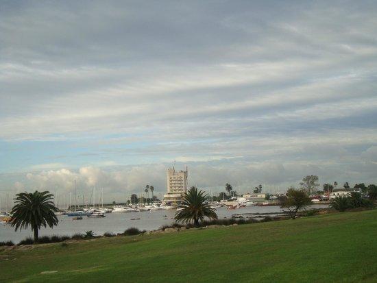 After Hotel Montevideo: Puertito del Buceo, visto da Rambla, quase em frente ao hotel