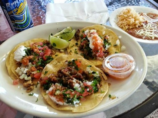 Alegria Tacos : 3 tacos