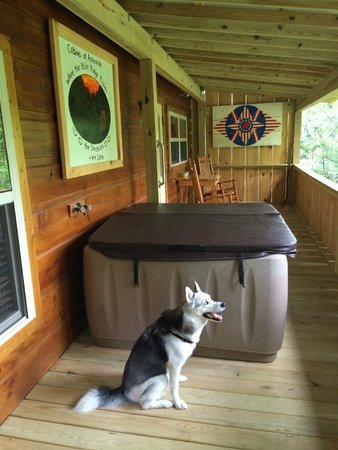 Cabins of Asheville : Aquilla enjoying the porch