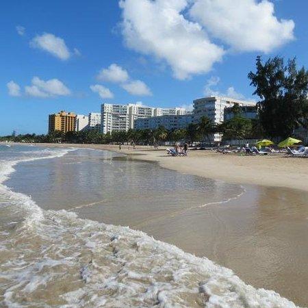 The Ritz-Carlton, San Juan : View up the beach