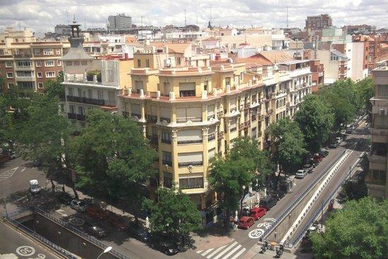 Courtyard Madrid Princesa: Вид на Мадрид с 8 этажа