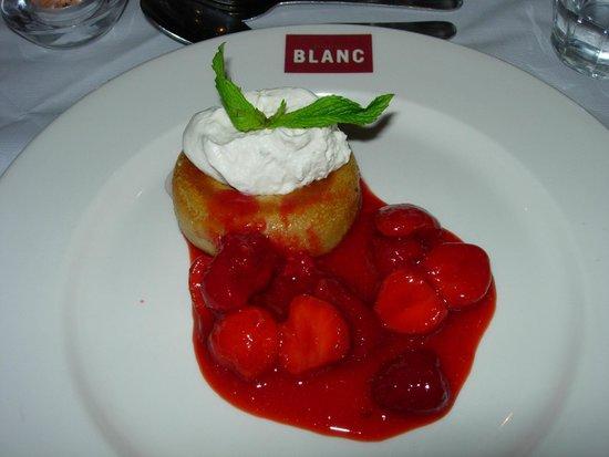 Brasserie Blanc : Summer berry savarin