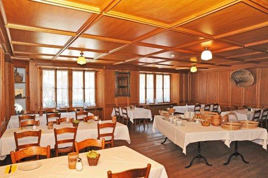 Hotel Bären Guttannen: à-la-Carte-Gerichte und Spezialitäten im Restaurant