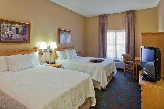 Hampton Inn & Suites Goodyear: 2 Double Bed Guestsrooms