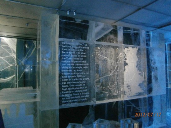 ICEBAR by ICEHOTEL Stockholm : Description of the Ice used in building the Ice Bar