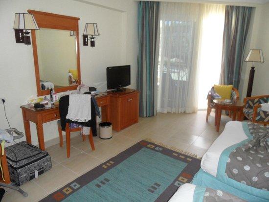 Amwaj Blue Beach Resort & Spa : в номере на двоих