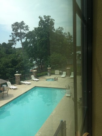 The Lodge on Lake Oconee: pool view from room 211