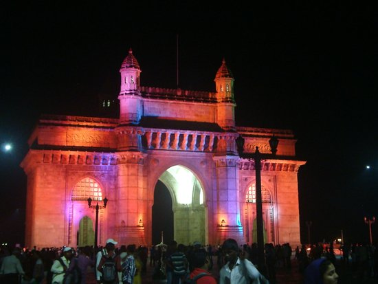 Gateway of India : Lighted up Gateway