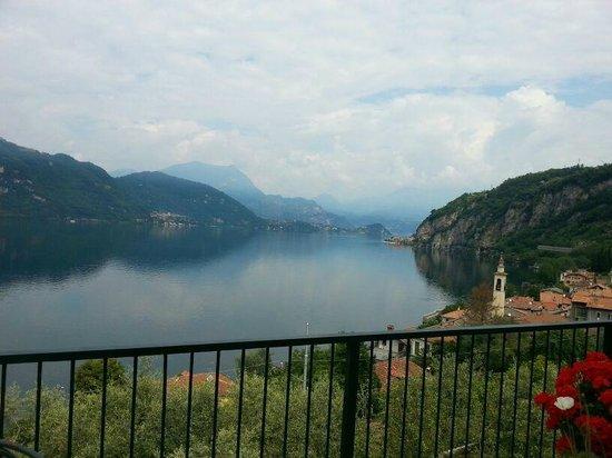 B&B Lago BLu: camera con terrazza vista sul lago
