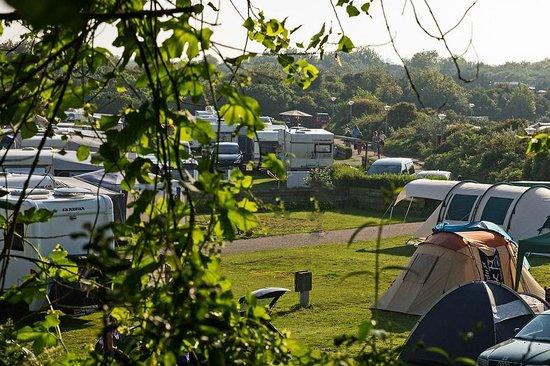 Vakantiepark Noordduinen : Blick auf einen Camperbereich